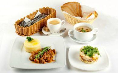 Комплексні обіди,  вечері - від 100 грн / ос.